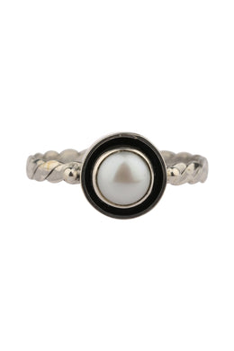 Freshwater Pearl Twist Band Silver Ring