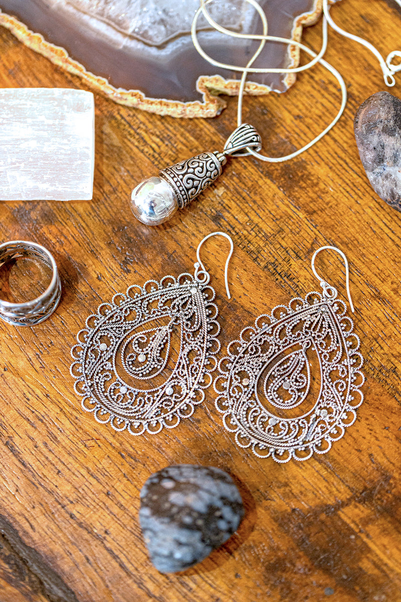 Swinging Filigree Teardrop Silver Earrings