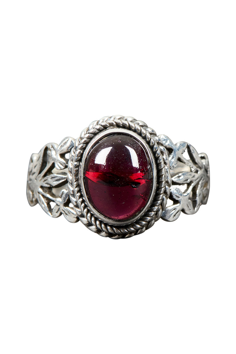 Bouquet Cut Out Garnet Oval Silver Ring