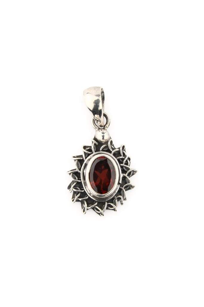 Pendant Oval Silver Ray Setting Garnet