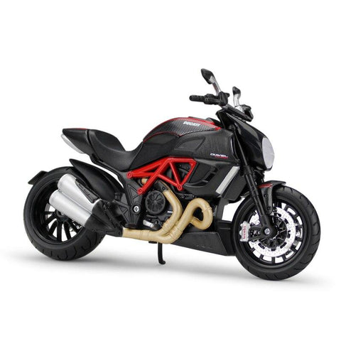 Moto Miniature Ducati Diavel Carbon