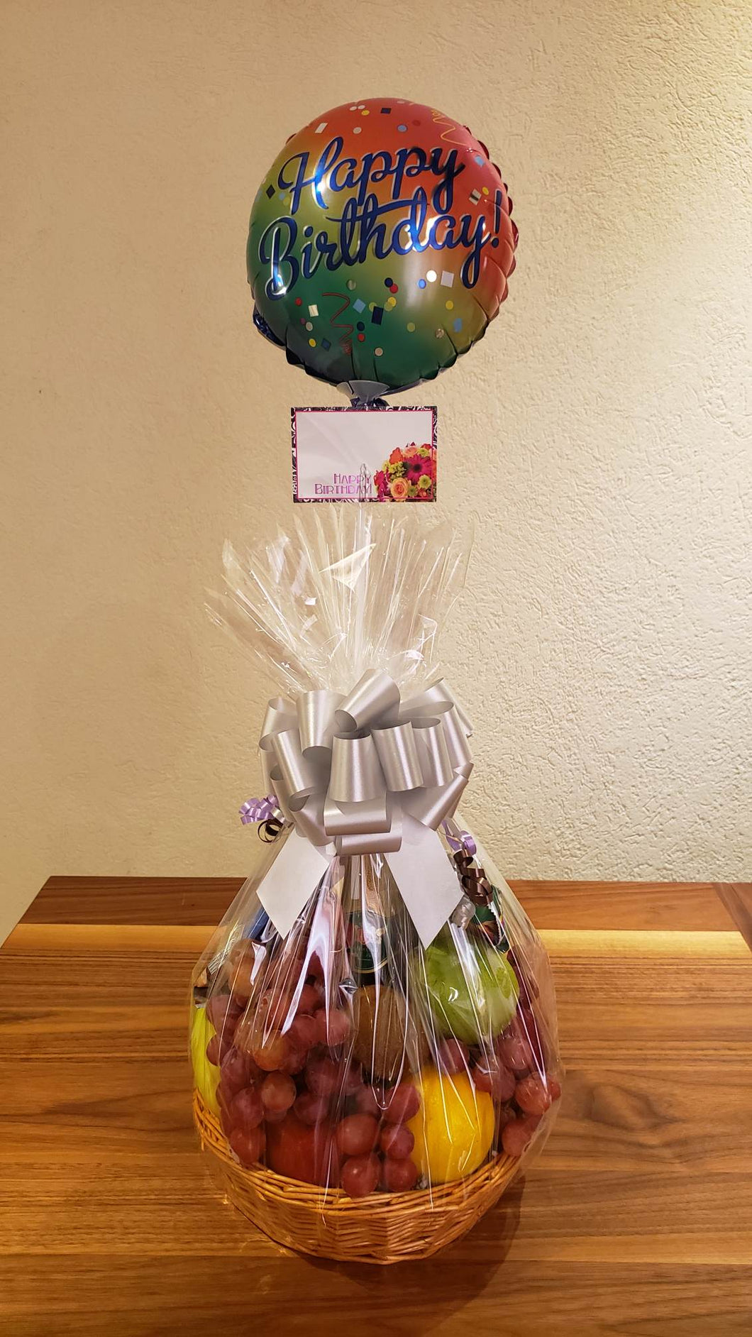 Fine Fruit, Snacks & Non-Alcoholic Wine Basket