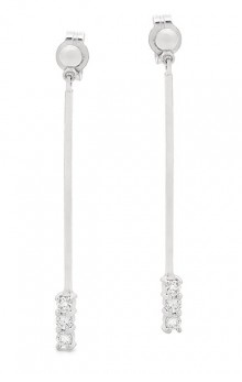 Diamond drop earrings set in white gold