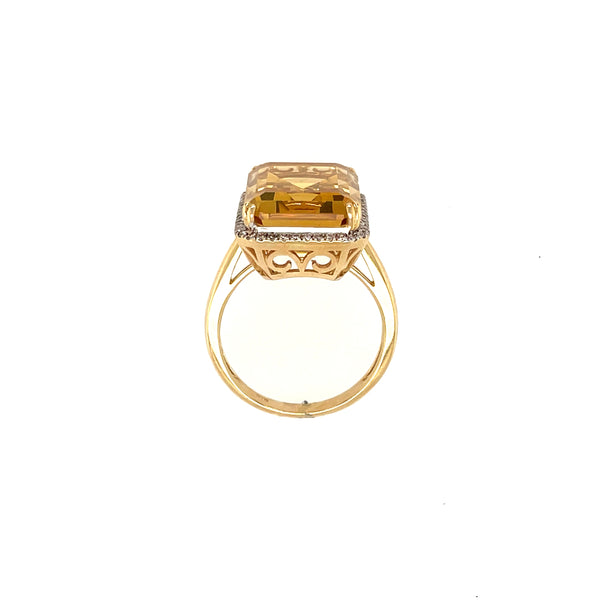 Filigree detail on citrine ring