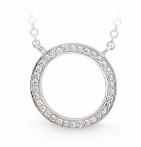 diamond circle necklace set in white gold