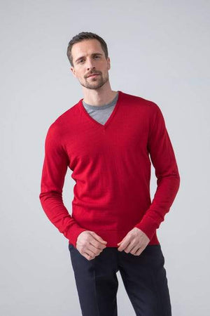 Sweater V 100% lambswool Classic Red Johnstons