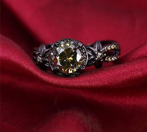 Vintage Black Gold Peridot Birthstone Ring