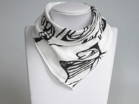 Nest Bamboo Bib Bandana Fancy Fish White