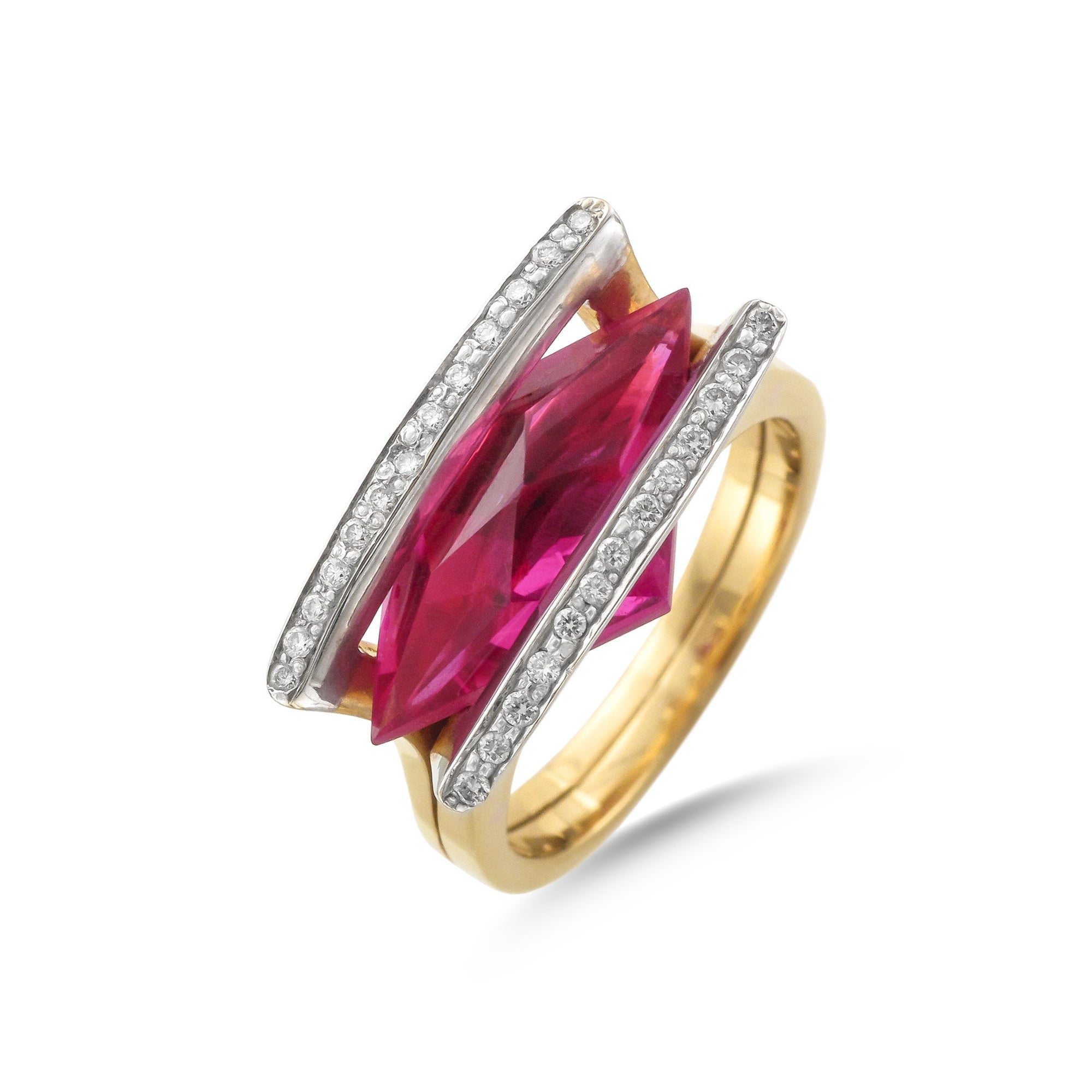 Vintage 18ct Yellow Gold Synthetic Ruby and Diamond Ring