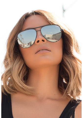 QUAY SUNGLASSES - TO BE SEEN BLACK/SMOKE
