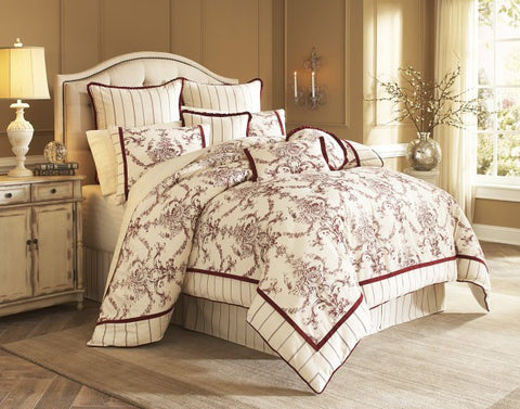 Hidden Glen Comforter Set