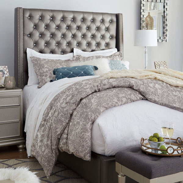 Coralayne Tufted Queen Bed