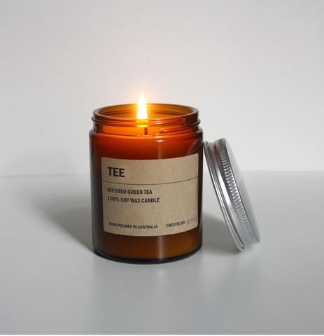 TEE AMBER SOY CANDLE