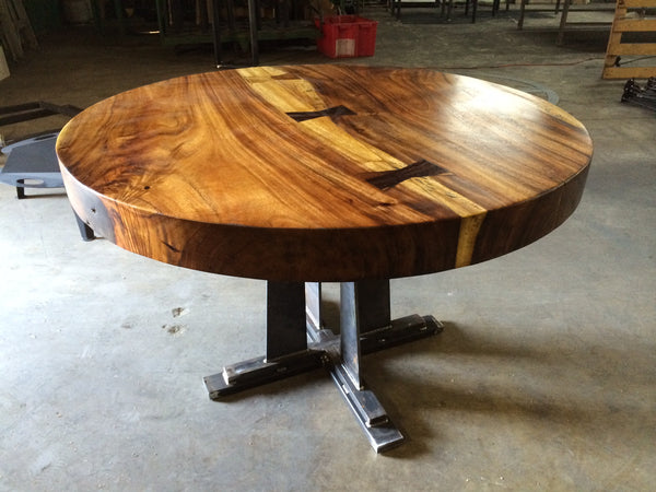 Suar wood round table 40 99m warehouse 2120 for Round table 99 rosenheim