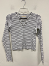Load image into Gallery viewer, Hollister Long Sleeve T-Shirt Size Small