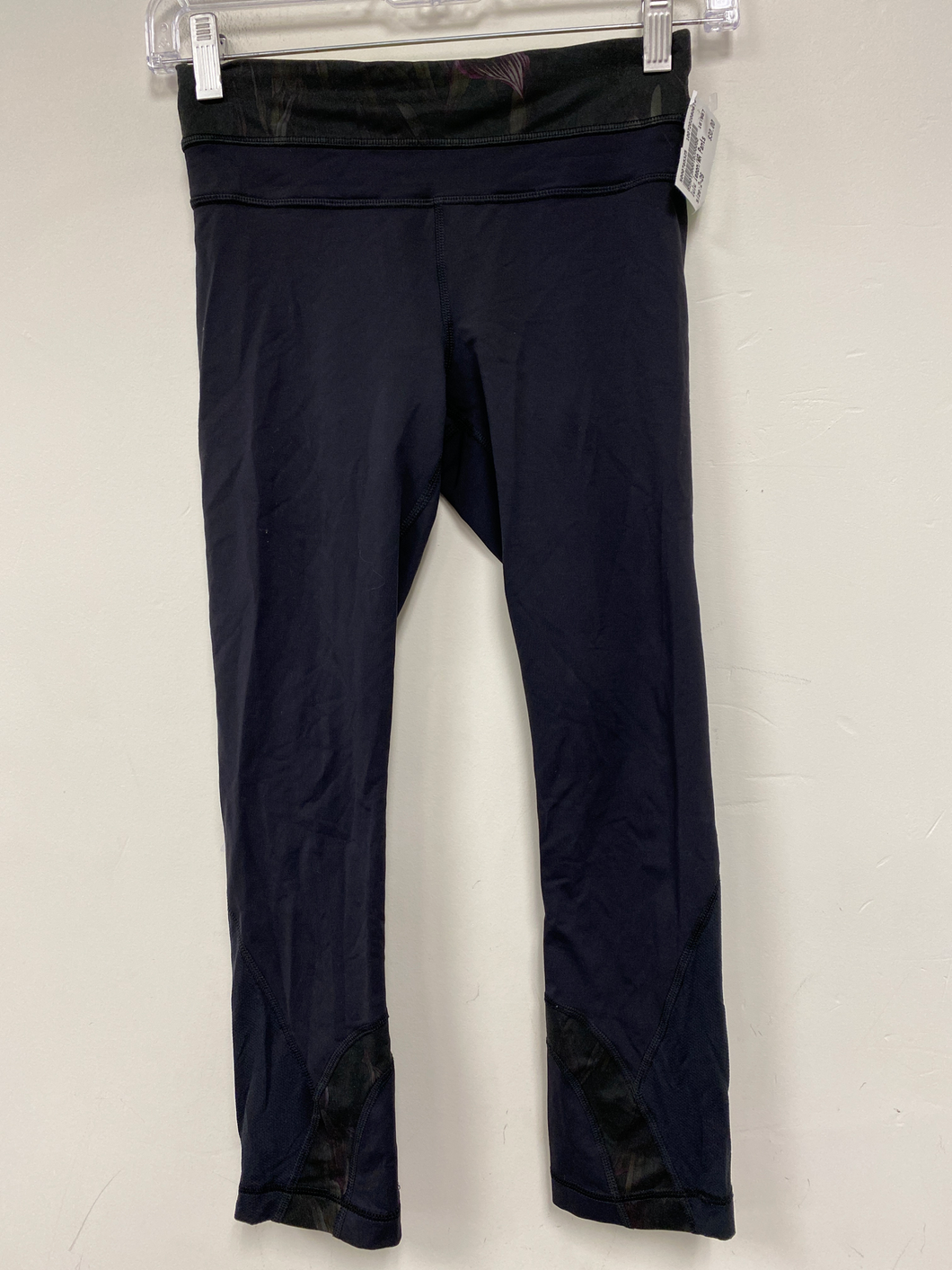 Lulu Lemon Cropped Athletic Pants Size 2 (26)