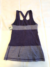 Load image into Gallery viewer, Lulu Lemon Athletic Top Size Small