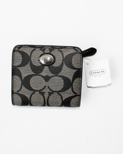 Load image into Gallery viewer, Coach Wallet NWT - INSTA