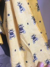 Load image into Gallery viewer, bumble bee,  yellow scarf, gift idea, accessory