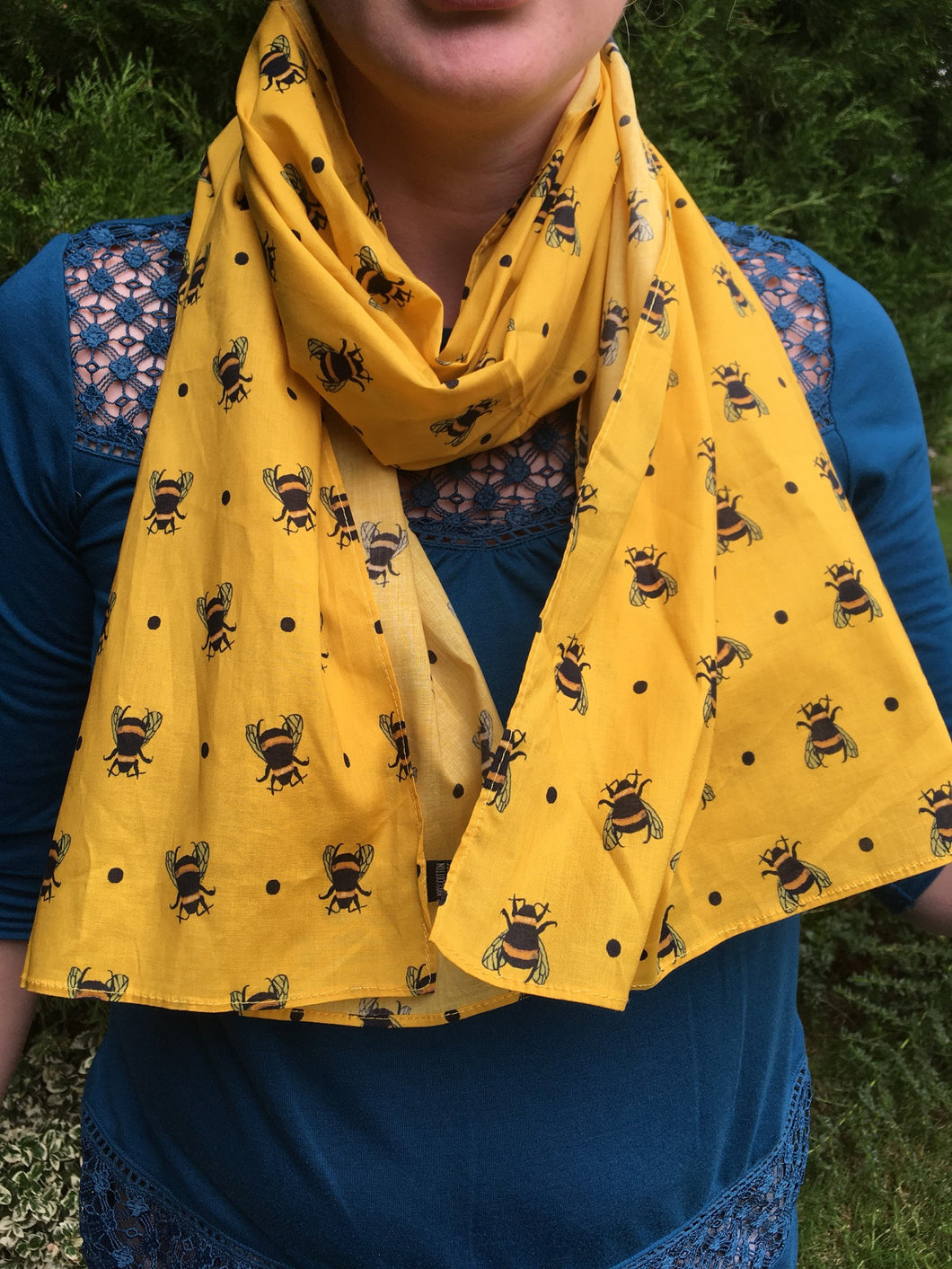 Bee, bumble bee, scarf, cotton scarf, yellow scarf, for bee lovers, for bee keepers, bee gift