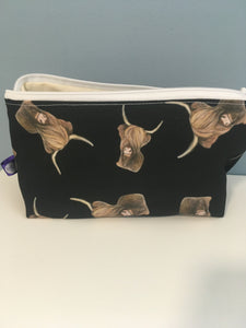 Highland cow, highland cattle, makeup bag, cosmetics bag, for cow lovers, for highland cow lovers, highland cow gift, pencil case