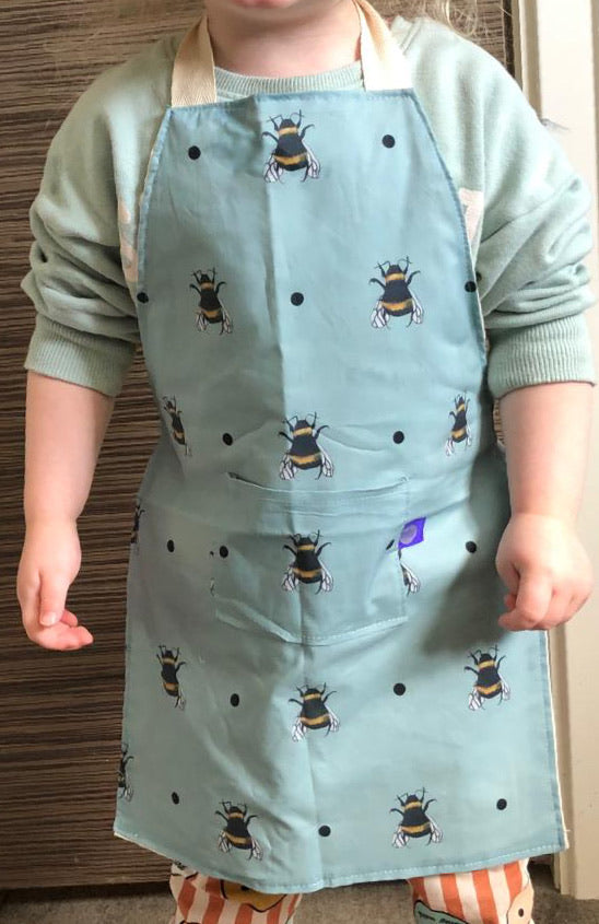 Bee, bumble bee, apron, kids apron, children's apron, for bee lovers, bee gift idea, baking apron