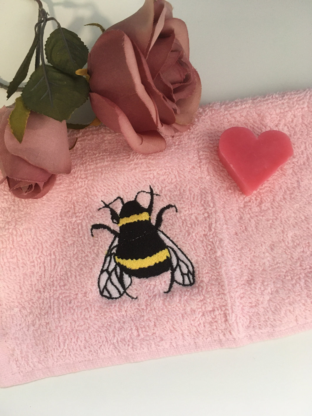 Bee, bumble bee, flannel, wash cloth, face cloth, for bee lovers, bee gift idea
