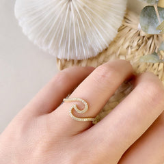wave ring on hand