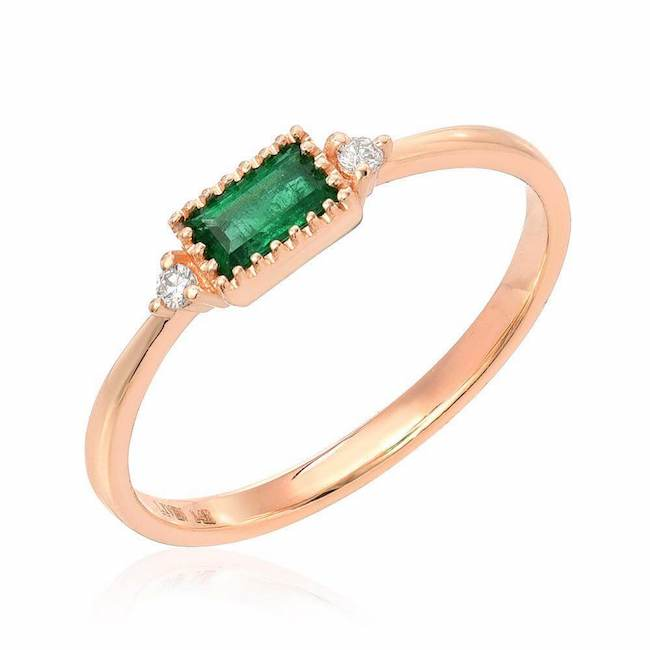 emerald baguette ring in rose gold