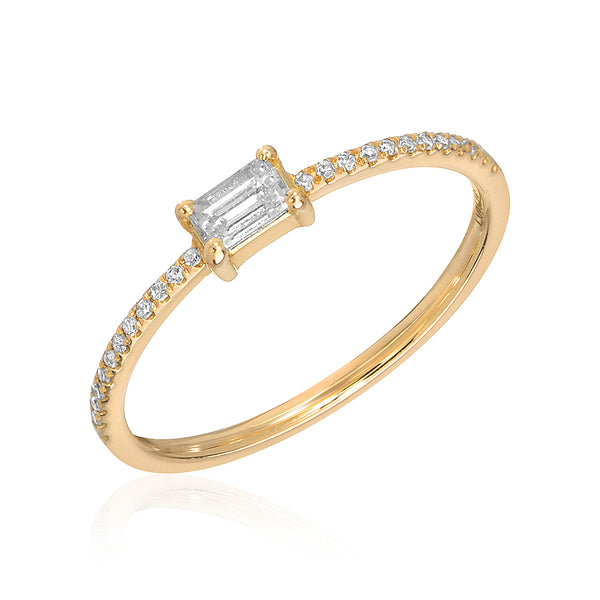 heirloom baguette center halfway diamond band in yellow gold