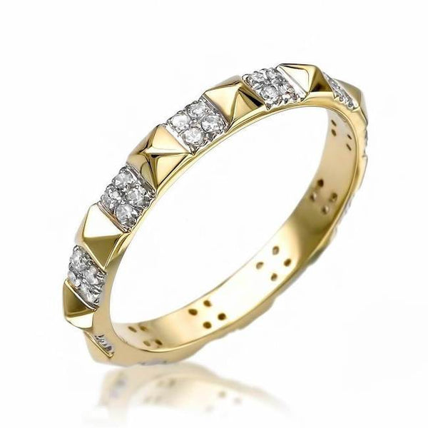 Pyramid eternity band in Yellow Gold