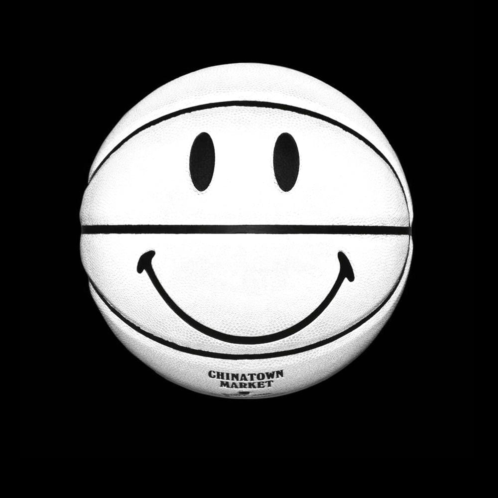 China Town Market Accessories Smiley 3M Basketball