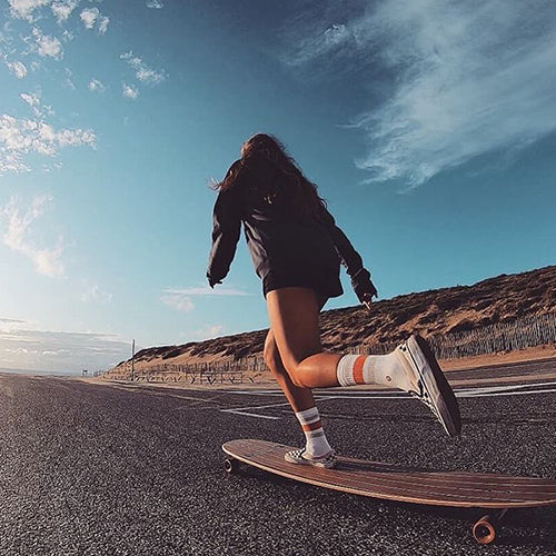 Longboard vs Skateboard. Everything You Need To Know