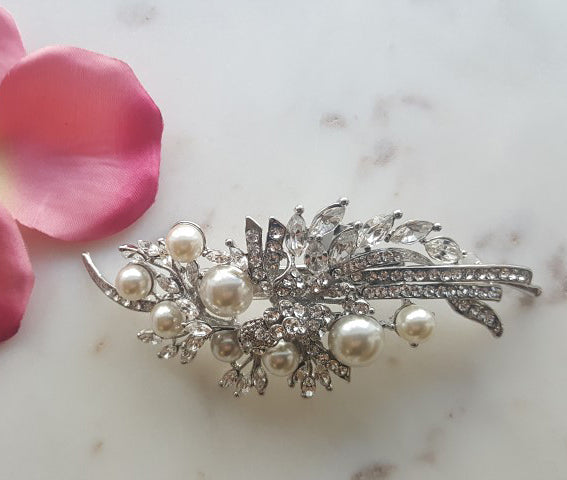 Regency Pearl on Silver Hair clasp