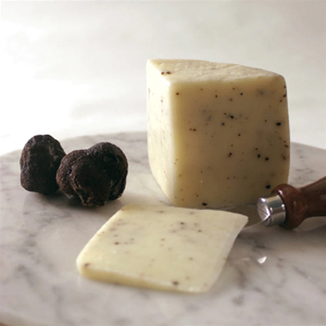 Pecorino al Tartufo (Truffle Pecorino Cheese) 230g (min. weight)