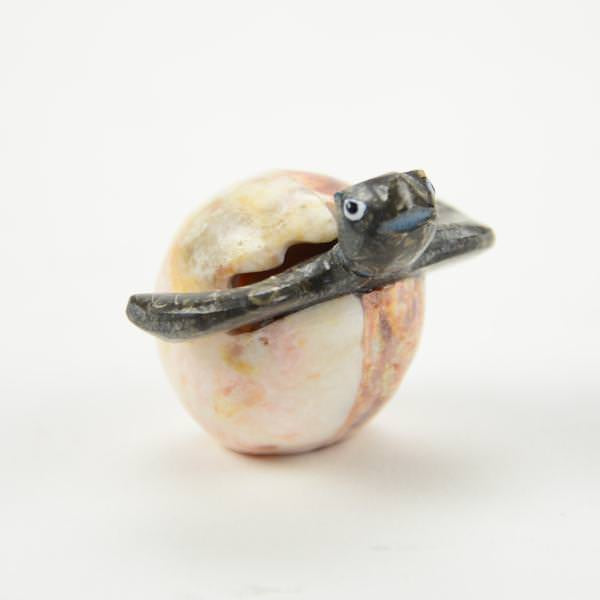 Marble/Onyx Turtle in Egg – S