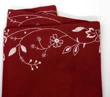 Load image into Gallery viewer, Doves of Peace Holiday Table Runner