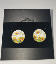Load image into Gallery viewer, K&L Glass Dome Studs