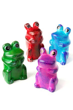 Load image into Gallery viewer, Mini Kisii Funny Frog
