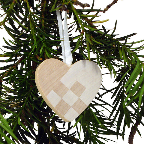 Heart hanging checkered White/Natural
