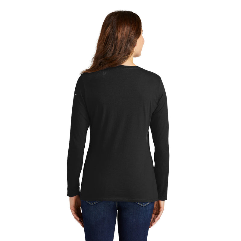 NKBQ5235 NIKE Core Cotton Ladies Long Sleeve Scoop Neck ™