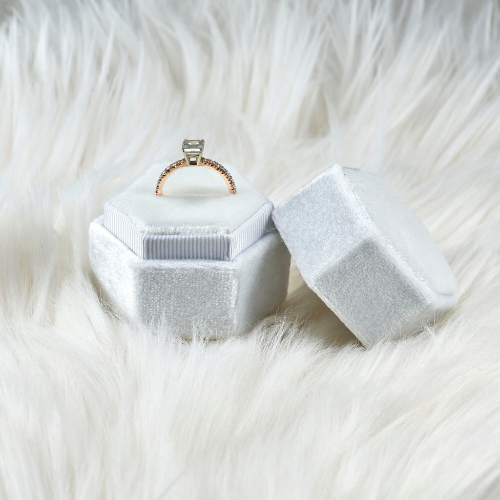 Pearl White Velvet Single Ring Box Hexagon  for Wedding Pictures and  Proposal