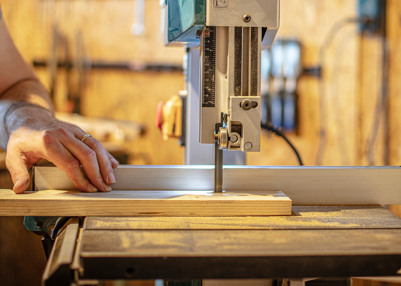 6 Tips for Cutting Shapes and Curves with a Bandsaw