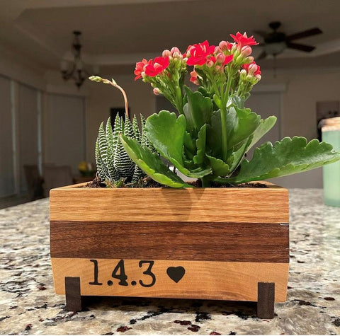 Potted plant pot, custom planter, garden planter made from White Oak wood, Cherry wood and Walnut wood by woodworker in woodwork shop