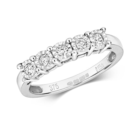 9CT White Gold ring set with 5 round Diamonds which are set in an Illusion and claw setting.