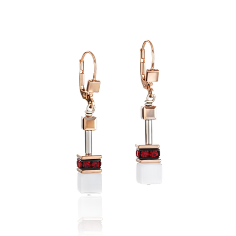 For every day. In every moment. Timelessly beautiful earrings from the GeoCUBE® collection, the classic by COEUR DE LION.