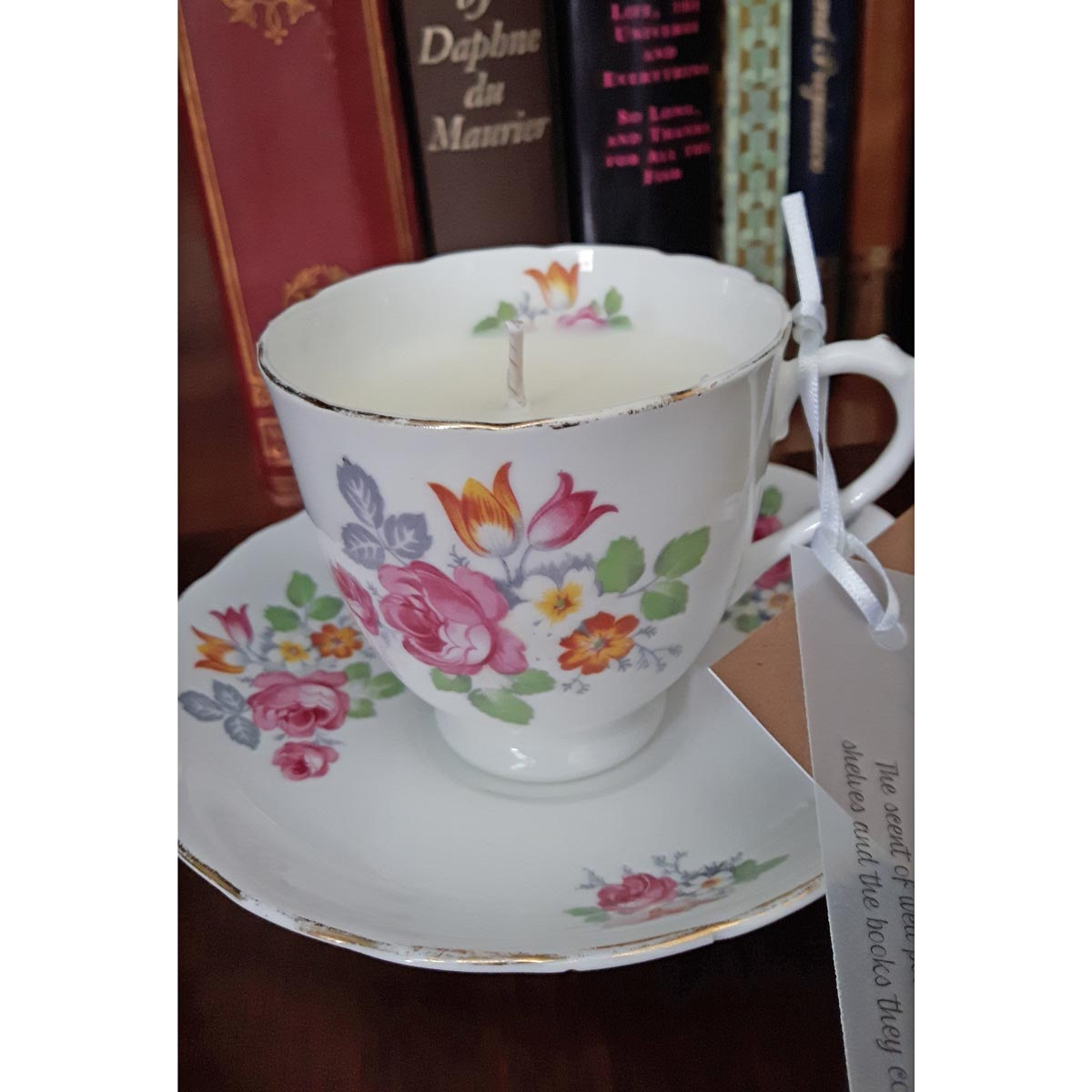 Candle - Vintage Tea Cup - Book Lover Library Scent