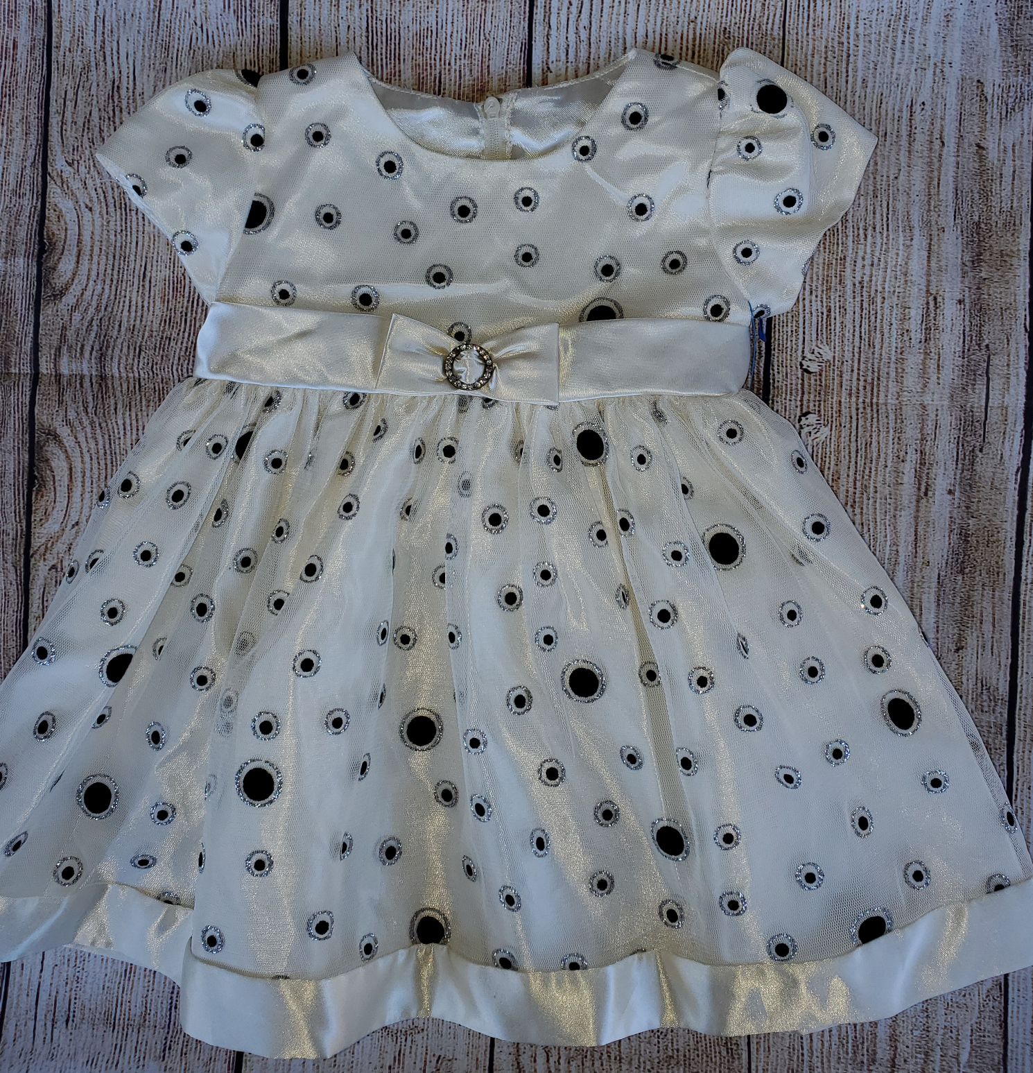 Baby girl cream dress sz 18 months