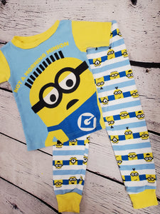 Minion 2pc top & pants pj set sz 3T