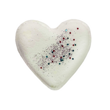Load image into Gallery viewer, Heart Bathbomb